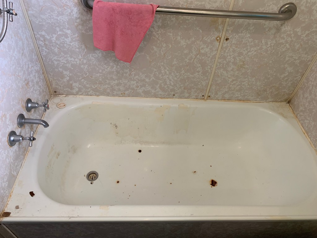 dirty bath room