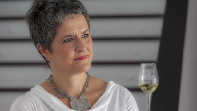 Dr Mar Vilanova de la Torre (pictured above), a superb wine scientist who has conducted the most research into Galician varieties and the different subzones of Rías Baixas and has published many books and papers.