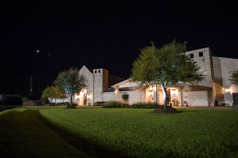 005-briscoe-manor-at-night