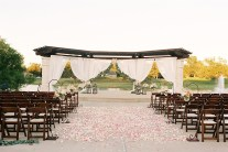 outdoor-wedding-ceremonies-at-briscoe-manor-024