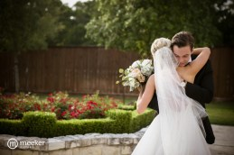 photos-of-brides-grooms-at-briscoe-manor-046