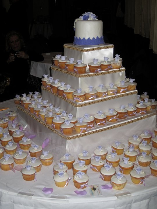 The Doggie wedding cake