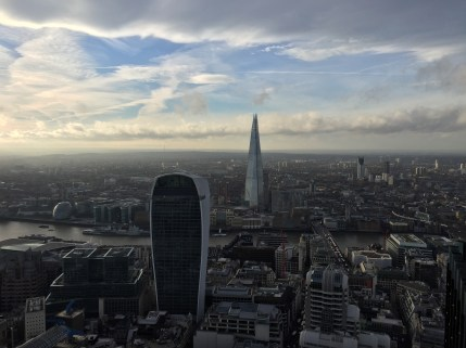 20 Fenchurch Street and The Shard from Tower 42 (foto: Ben Freeman)