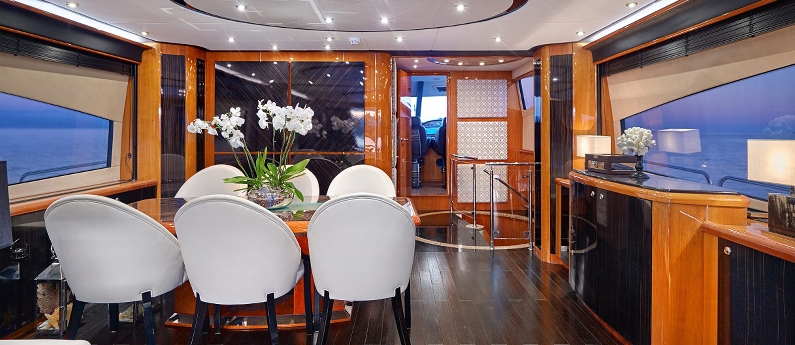 Sunseeker 94 Yacht - Pearl of London - Dining
