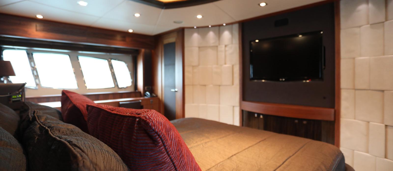 Sunseeker-30-Metre-Yacht-Coraysa-Master-Cabin