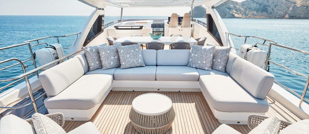 Princess 30 Metre Yacht Bandazul - Flybridge