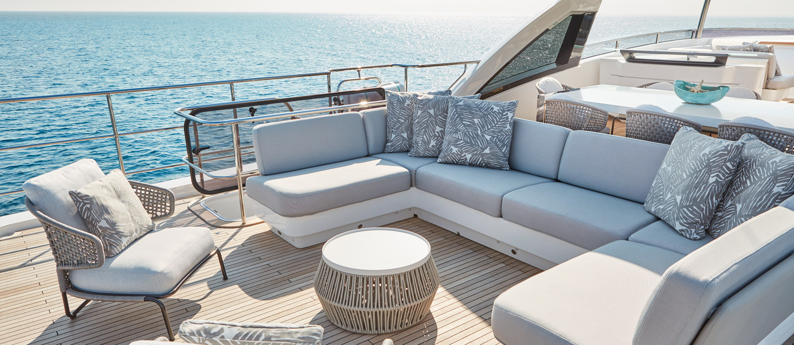 Princess 30 Metre Yacht Bandazul - Flybridge Custom Seating