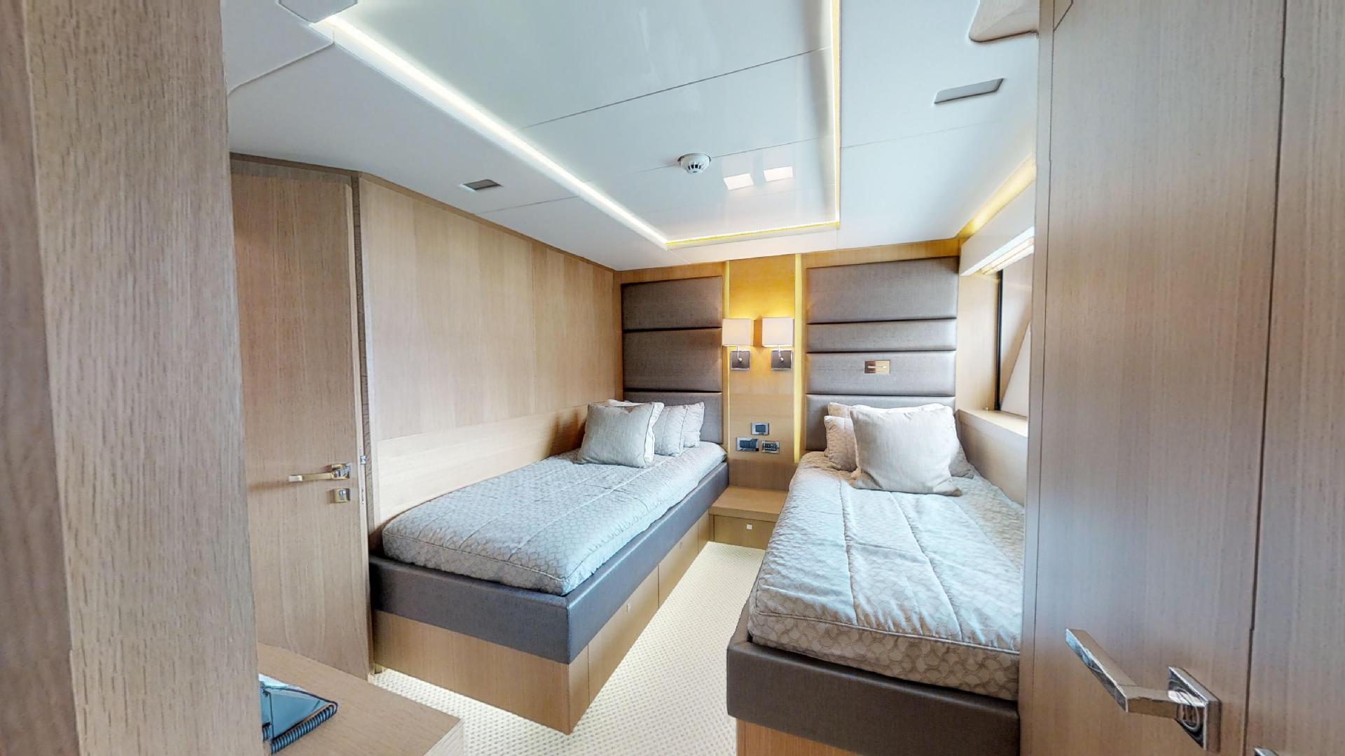 Manhattan-Express-II-Twin Cabin Starboard Side Alternative Angle