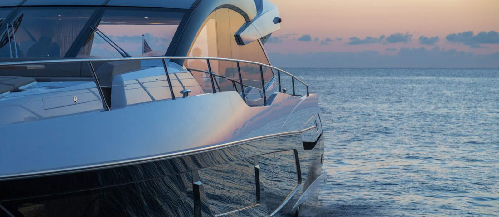 Sunseeker 74 Predator - Bow-On