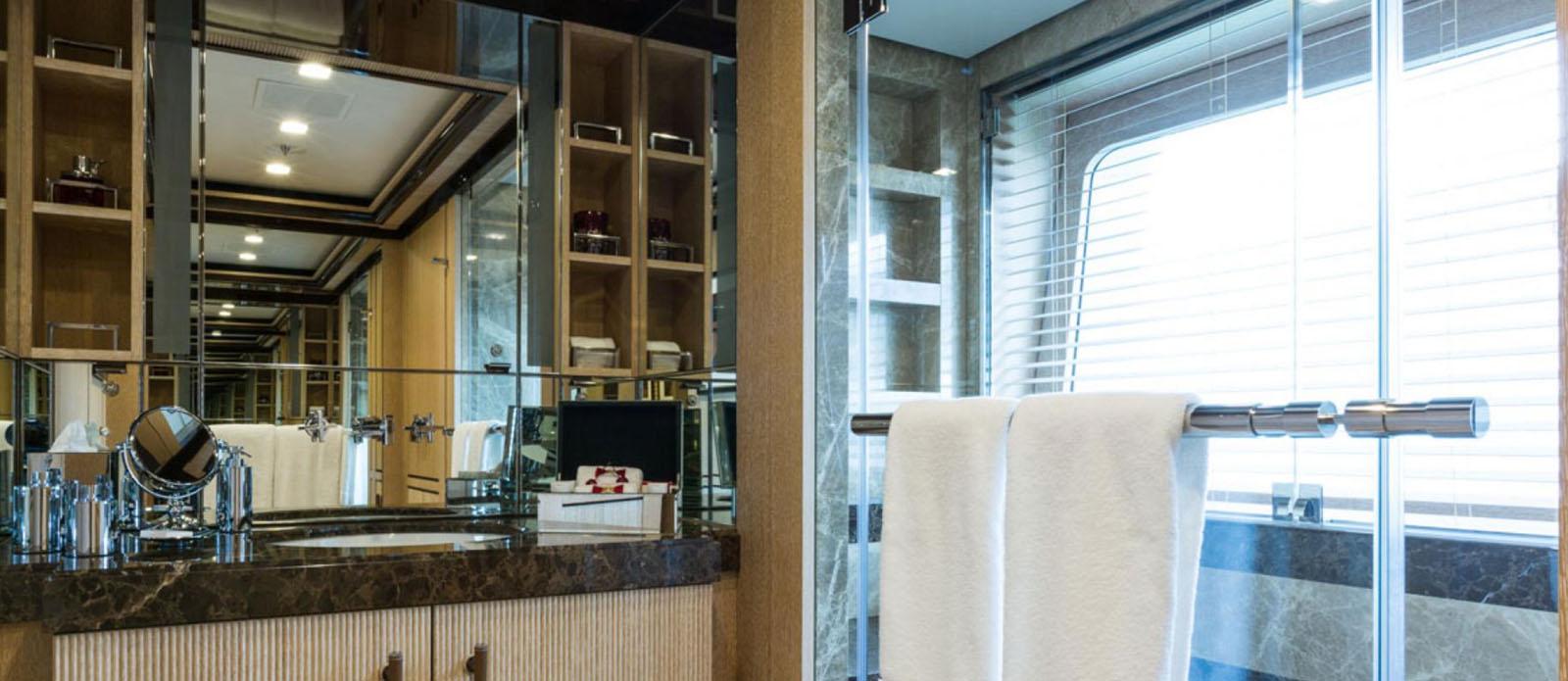Axioma - Double Cabin En-Suite