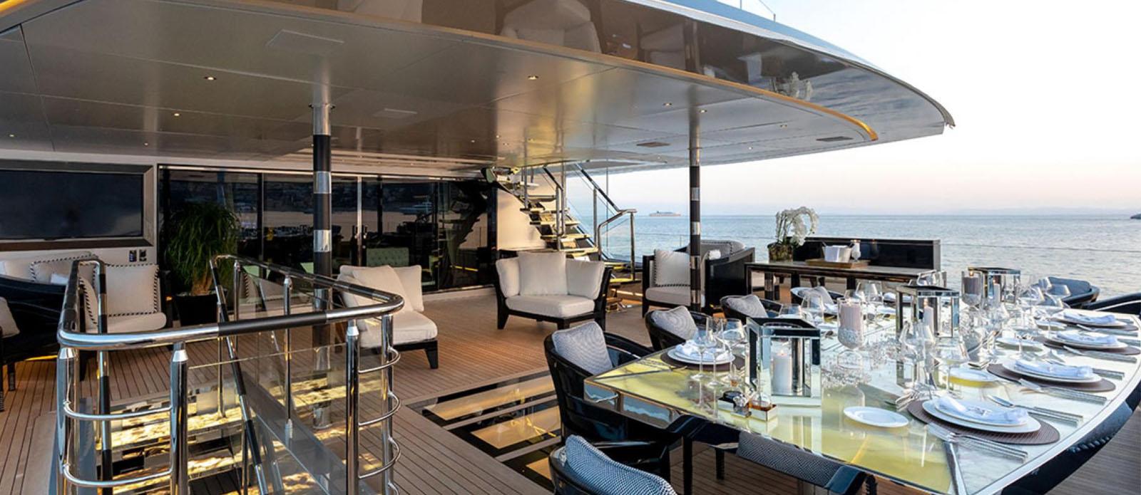 Sarastar -Exterior Dining
