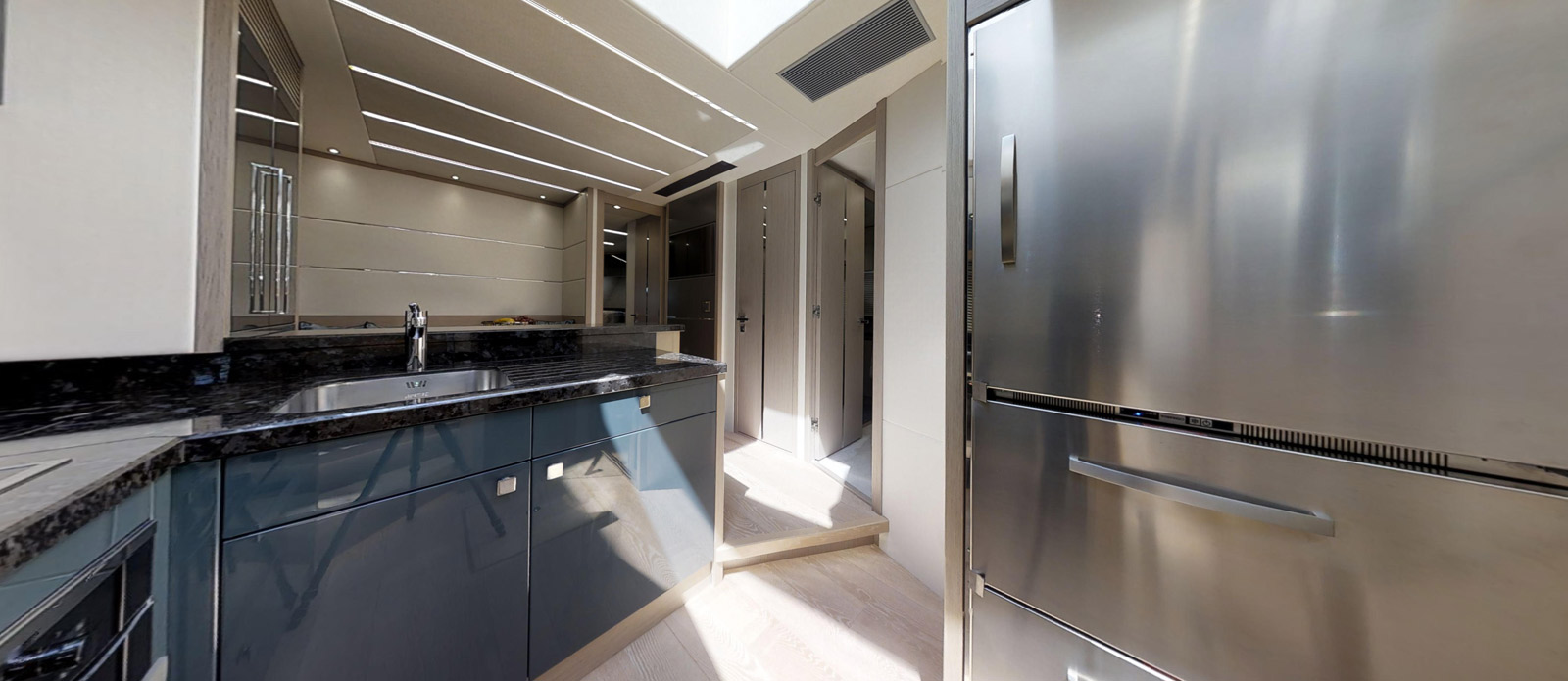 Sunseeker 74 Predator - Galley-2