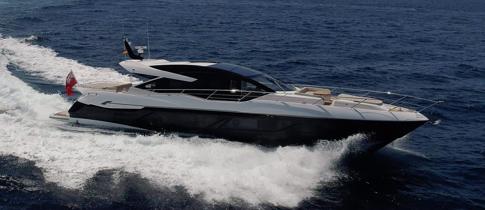 Sunseeker 74 Predator - Side-Profile-Running