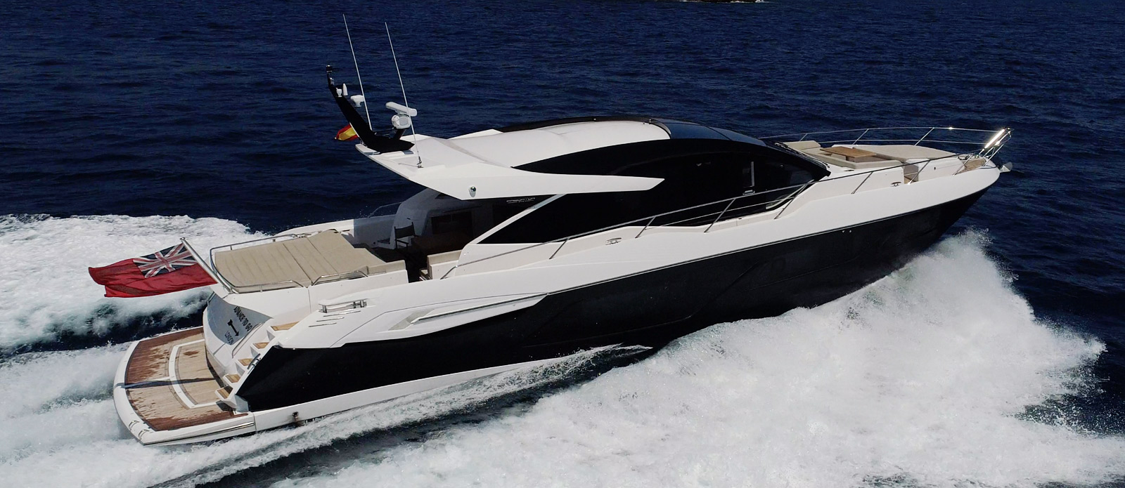 Sunseeker 74 Predator - Side-Profile-Running-2