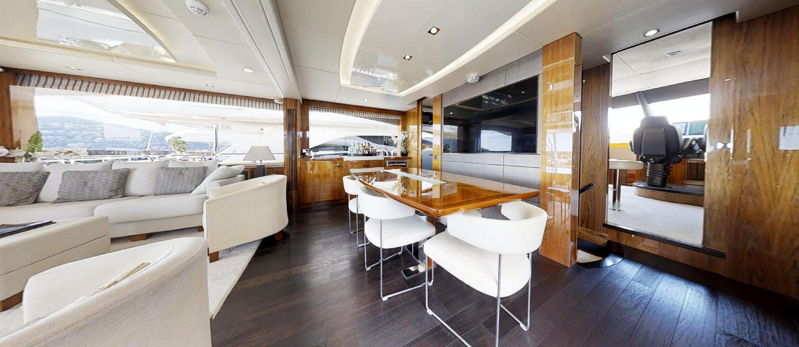 Sunseeker-86-Yacht-MiBowt-Dining