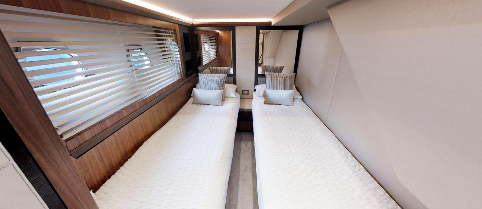 It's Magic-Monte Carlo-Twin Cabin