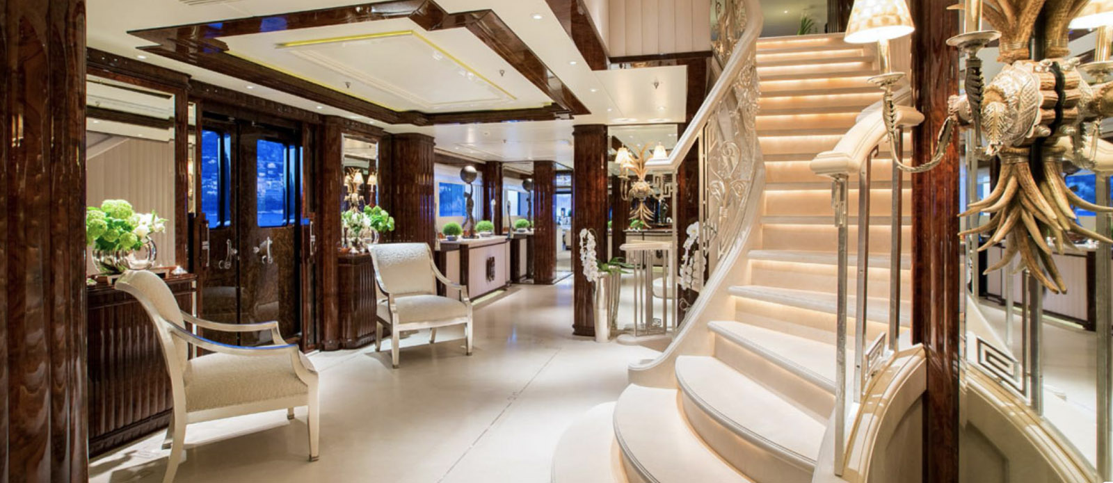 Lioness V-Benetti-Staircase
