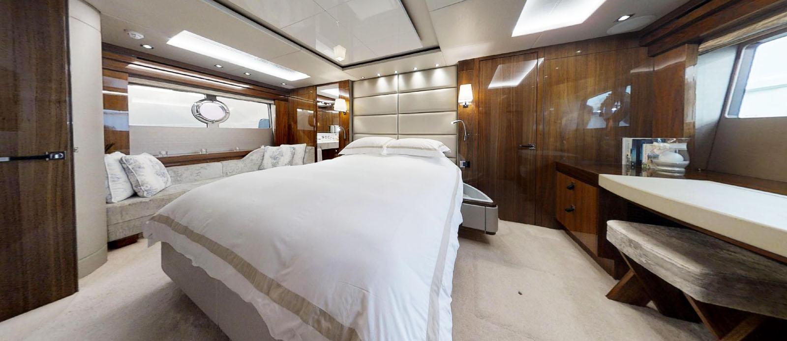 Sunseeker-86-Yacht-MiBowt-Guest-Cabin