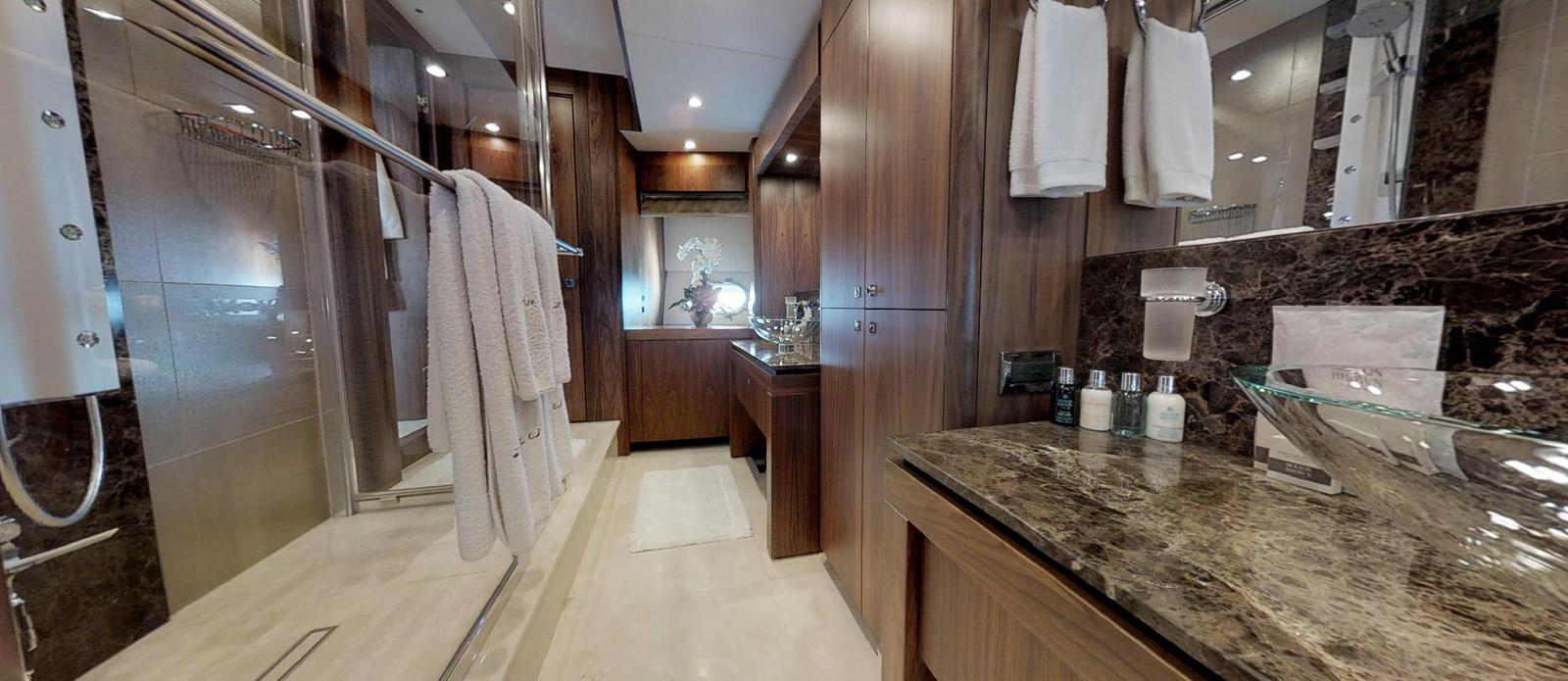 Sunseeker-115-Sport-Yacht-Zulu-Master-En-Suite-3