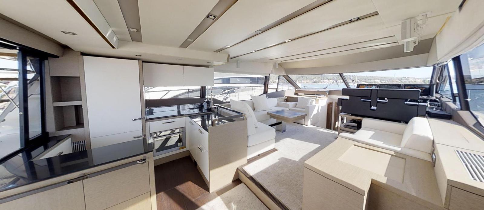 Prestige-630---Boss----Main-Deck-Saloon
