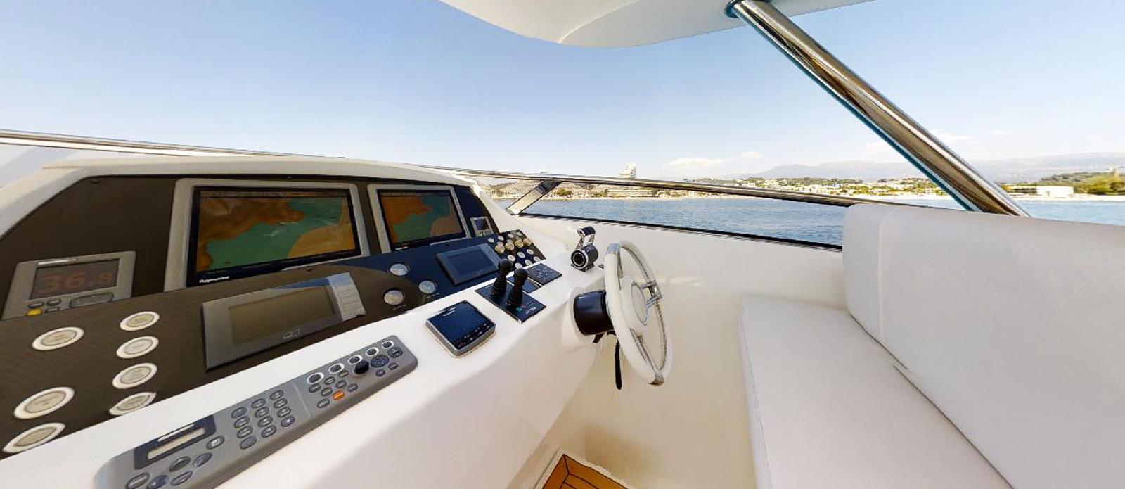 Sunseeker 30 Metre Yacht - Helm - Tuppence