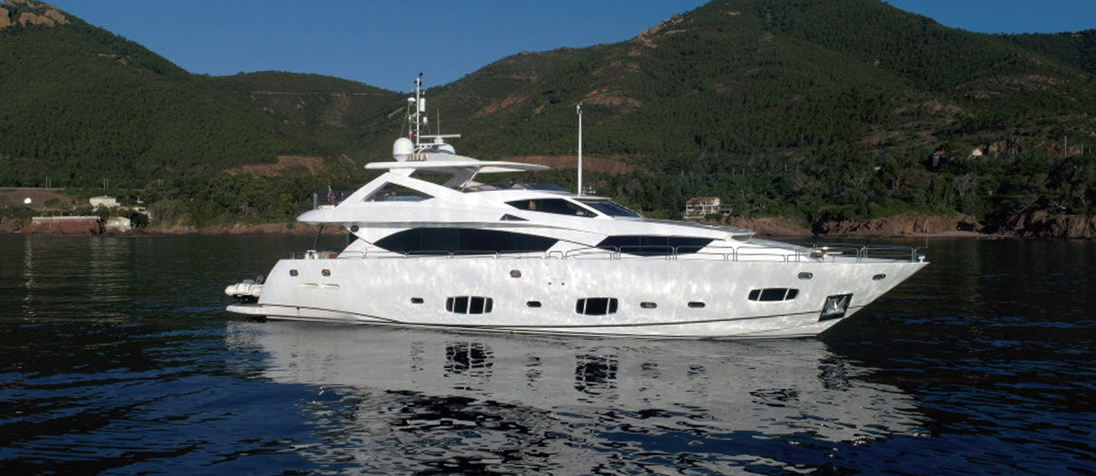 Sunseeker-30-Metre-Yacht-Tuppence---Side-Profile-2