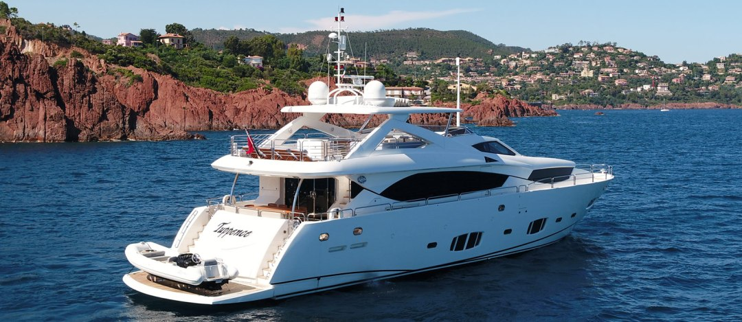 Sunseeker-30-Metre-Yacht-Tuppence---Side-Profile---Red-Rocks