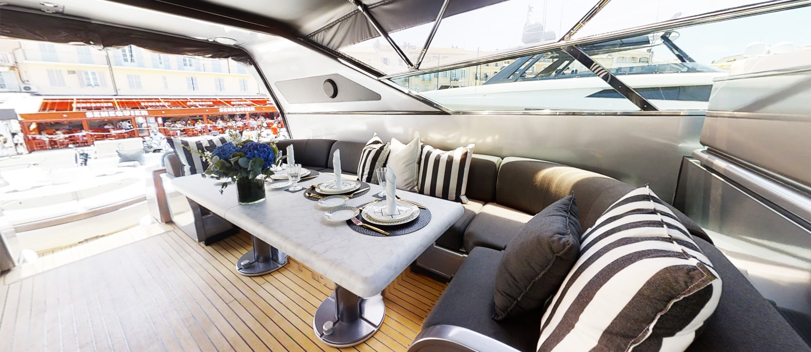 Cockpit Dining - Mangusta 105- Lauren V