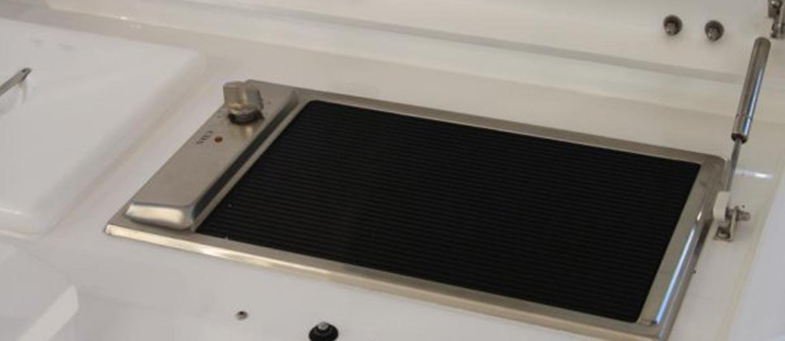 Sunseeker-Predator-60-KUSHTI-Cockpit-BBQ