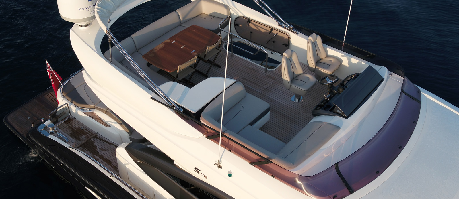 Princess-S72-Gee-n-Tee-Flybridge-Seating