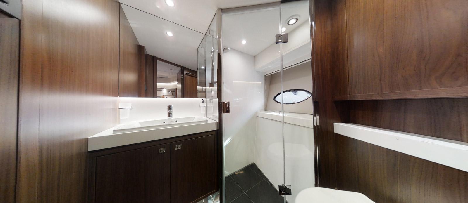 Princess-S72-Gee-n-Tee-VIP-Cabin-En-Suite