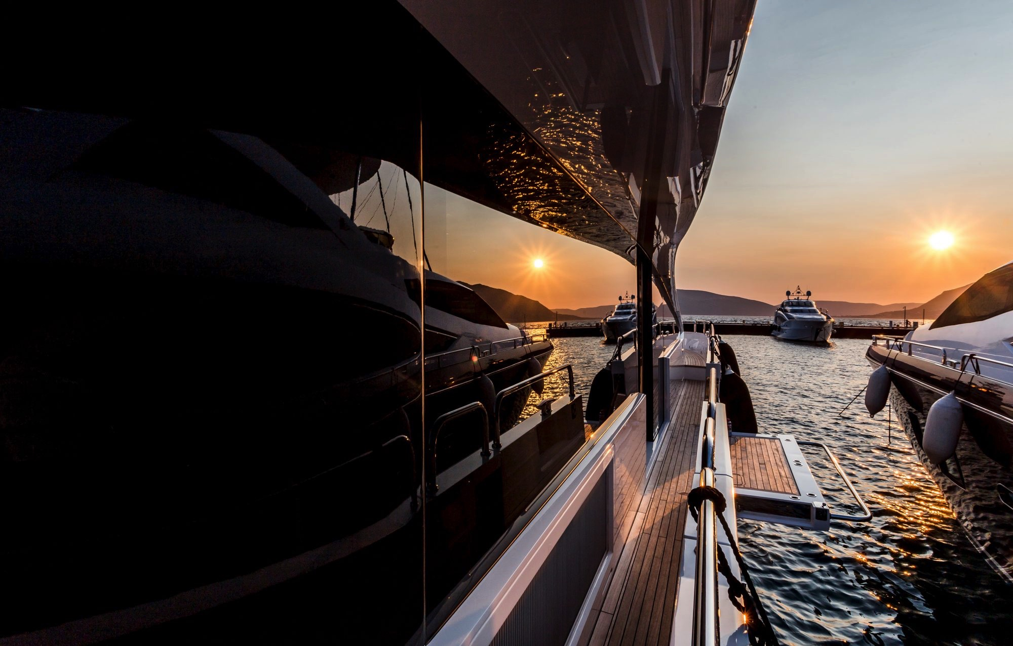 Sunseeker 86 Yacht - Stardust of Poole - Balcony