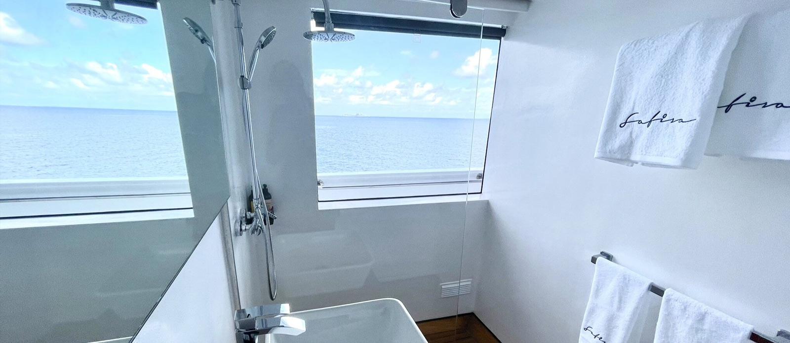 Safira-Luxury-Yacht-For-Sale-Interior-11