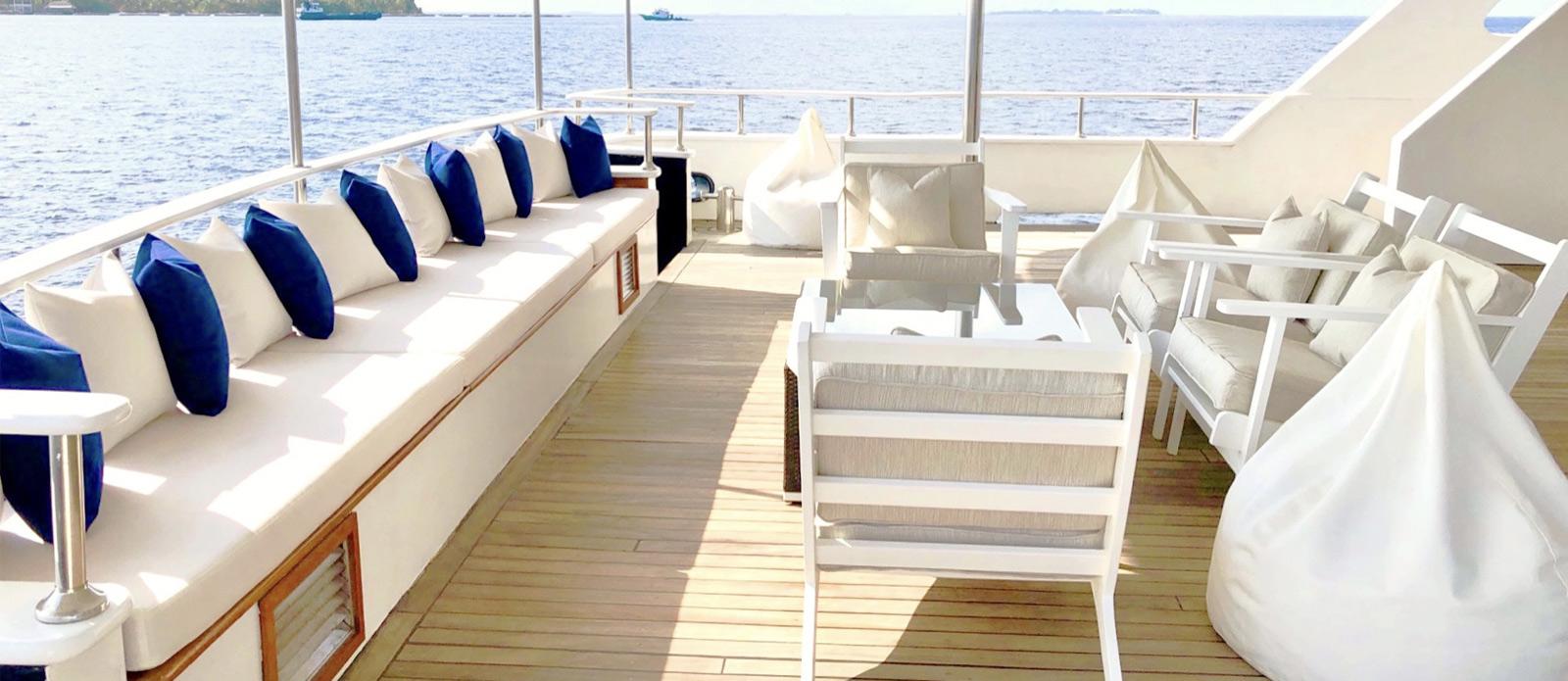 Safira-Luxury-Yacht-For-Sale-Interior-12