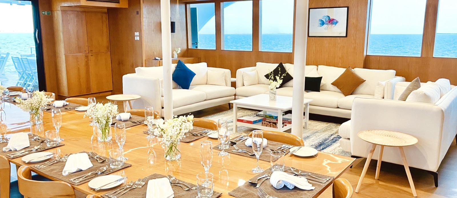 Safira-Luxury-Yacht-For-Sale-Interior-3