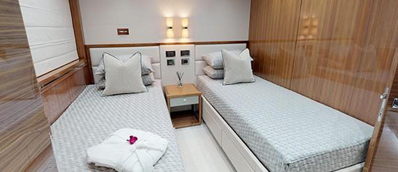 Sunseeker-116-Sport-Yacht-Priceless-8