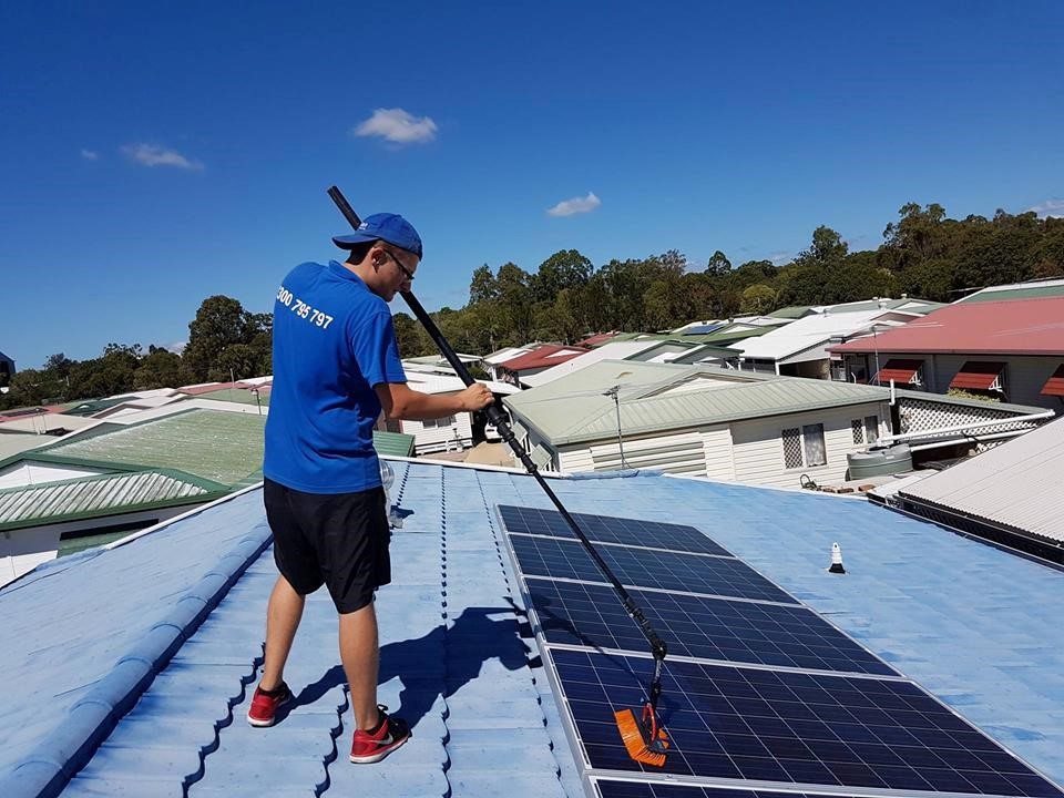 solar-panel-Cleaner