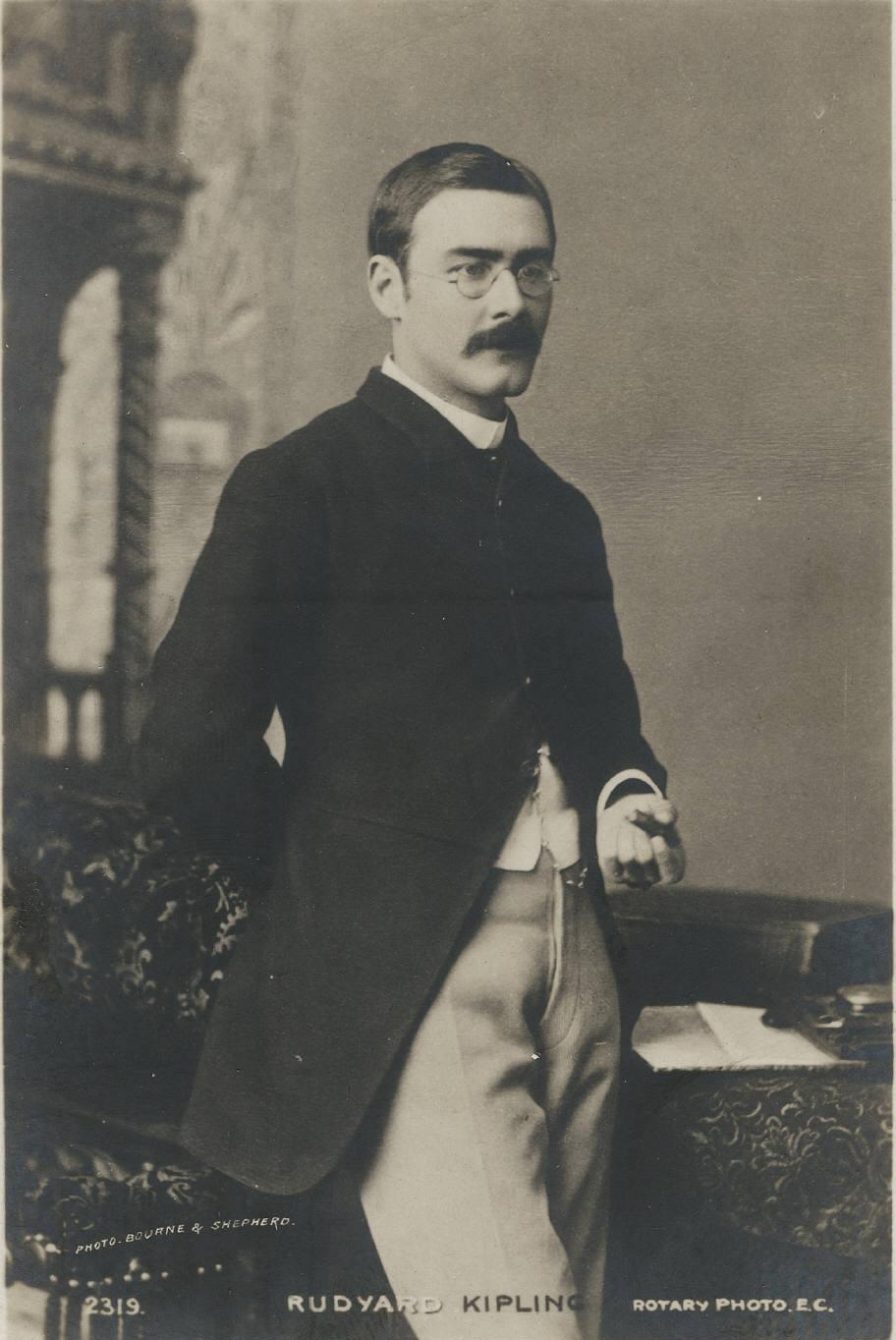 https://i0.wp.com/britainandothers.pbworks.com/f/1302054688/Rudyard_Kipling_three_quarter_length_portrait.jpg