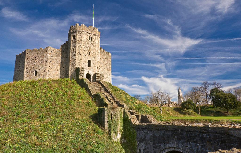 1-cardif-castle wales
