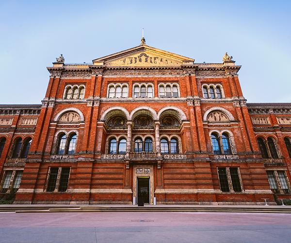Britains-Best-Guides-Victoria_Albert_Museum_2