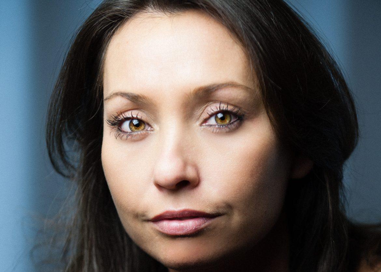 Lucinda Rhodes