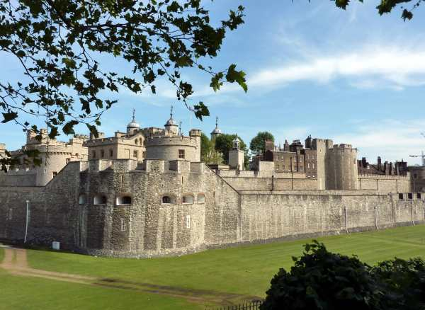 Tower Of London Menageries Murders And Ghosts
