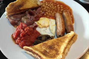Lunchi Full English Breakfast