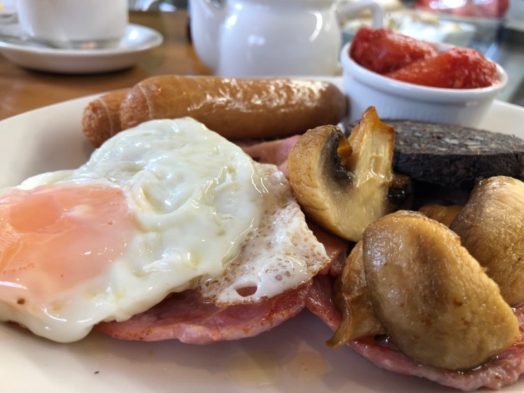 Poachers Cafe Bistro Tamworth Full English (2)