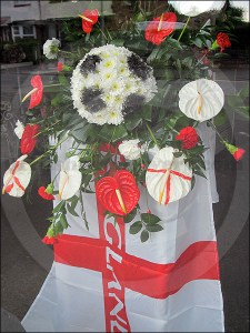 World Cup floral display with England theme