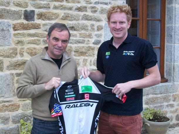 Hinault with Team Raleigh's Eric Berthou  (picture credit Jean Vantalon)