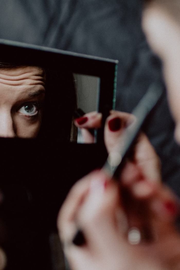 Does Make-Up Affect Our Eyes? Let's Ask An Expert