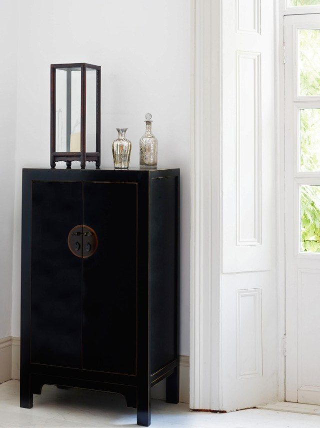 Black Chinese oriental cabinet