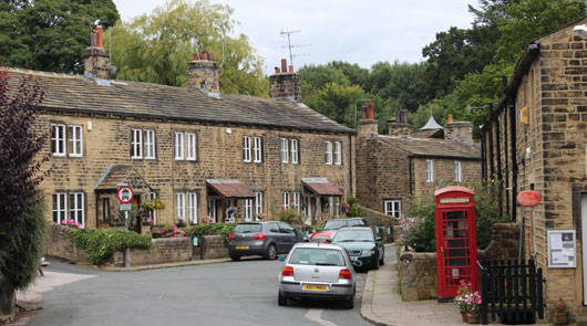 Emmerdale tour of classic locations brit movie tours for Classic house tour
