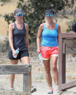 Britney Spears goes for a hike
